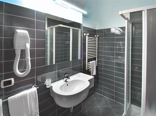 bagni moderni bagni moderni ristrutturati hotel cristallo rimini marina centro viale regina